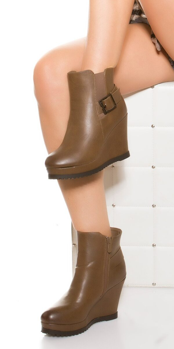 eewedge_heel_ankle_boots_with_buckle__Color_CHOCOLATE_Size_36_0000ZH662_SCHOKO_1