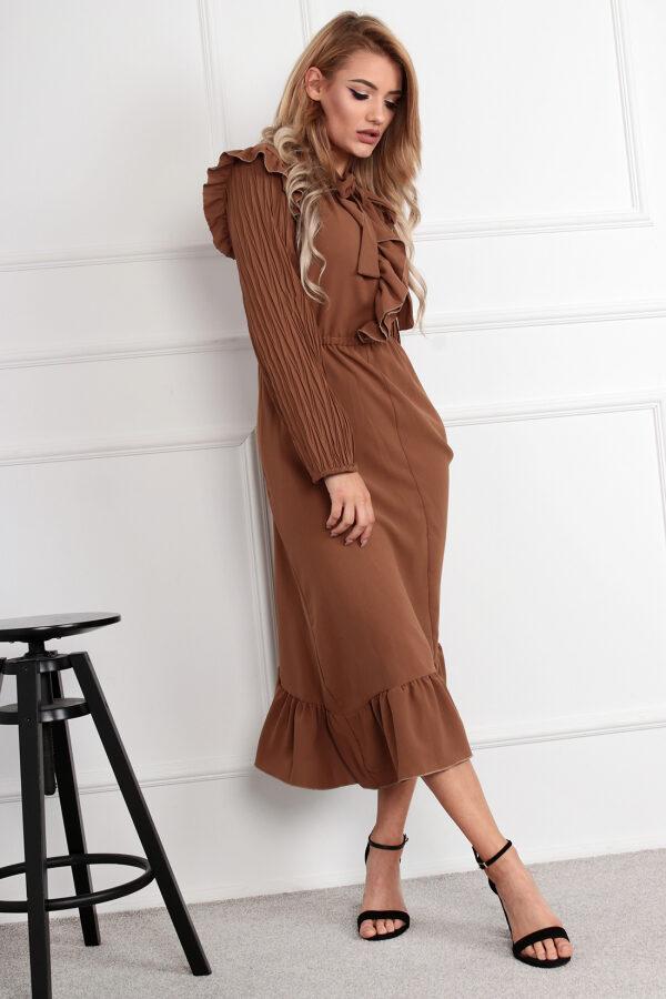 sukienka-z-plisowanymi-rekawami