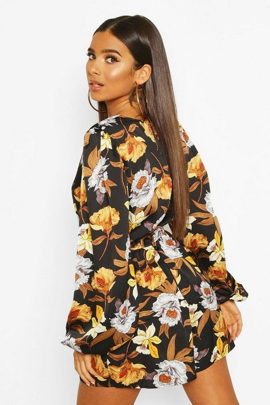 black-large-floral-balloon-sleeve-playsuit1